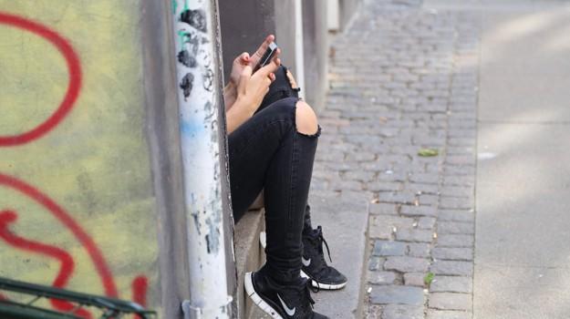 cellulari, Nokia, primo sms, smartphone, telefonino, whatsapp, Sicilia, Società