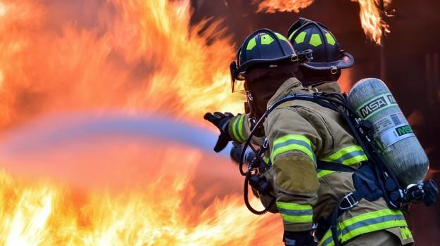 incendi, volontari vigili del fuoco, Ragusa, Cronaca