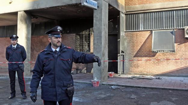 attentato, Bologna, francese, Sicilia, Cronaca