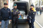 Palermo, controlli a Ballarò: sequestrati gabbie per uccelli e mezza tonnellata di pesce
