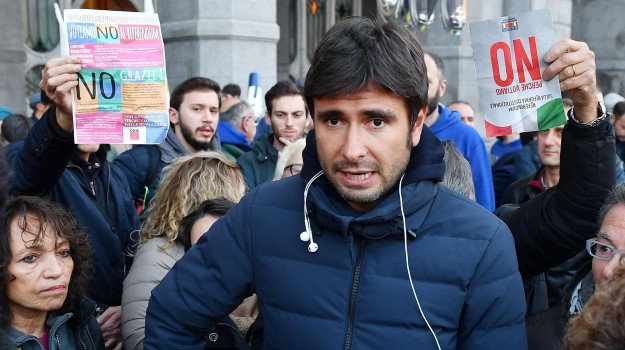 m5s, reddito di cittadinanza, Alessandro Di Battista, Palermo, Politica