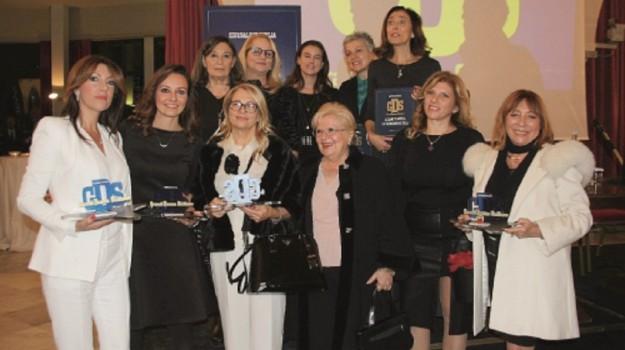grandi donne siciliane, Sicilia, Economia