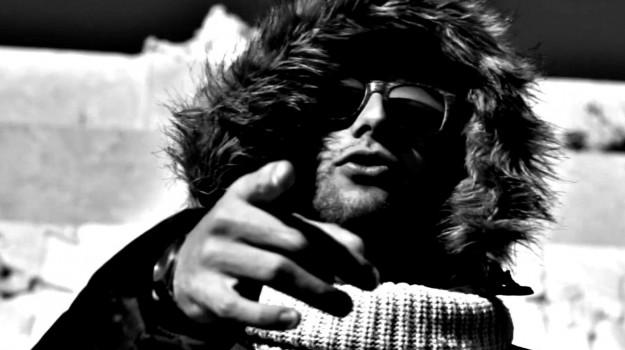 Contro il materialismo e l'effimero, da Siracusa il nuovo video del rapper Eikei
