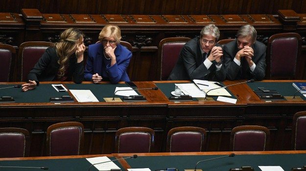 fiducia governo, ministri, presidente del consiglio, Paolo Gentiloni, Sicilia, Politica