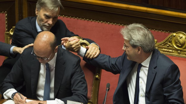fidicia governo, Paolo Gentiloni, Sicilia, Politica