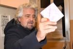 """Grillo: """"A novembre la Sicilia sarà la prima regione a 5 Stelle"""""""
