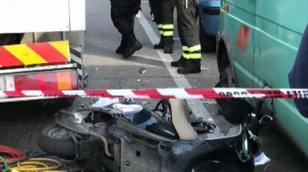 incidente moto palermo, prognosi riservata, Palermo, Cronaca