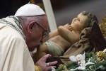 """Il monito del Papa: """"Siamo in debito con i nostri giovani, li abbiamo costretti a emigrare"""""""