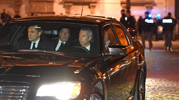 DIMISSIONI, Quirinale, referendum, Matteo Renzi, Sergio Mattarella, Sicilia, Politica