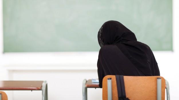 islam, scuola, velo islamico, Sicilia, Cronaca