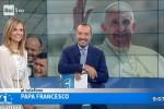 """Gli auguri del Papa a sorpresa su Uno Mattina: """"Sia un Natale cristiano"""""""