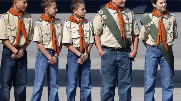boy scout, tarnsgender, Sicilia, Mondo