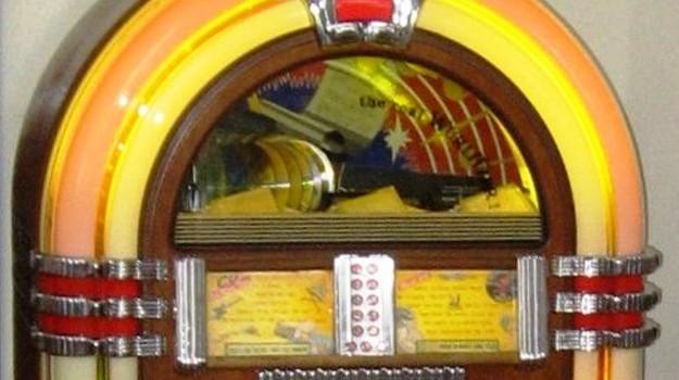 gadget, jukebox, Sicilia, Società