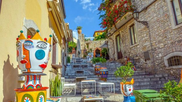 kermesse, turismo, Sicilia, Società