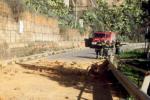 Nicosia, massi in strada: via Capra chiusa al transito