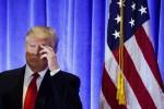 """""""Si aggira per la Casa Bianca in accapatoio"""": Trump furioso col NY Times"""