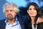"""Grillo avverte dal blog: """"Chi è contro Raggi è contro il M5S. Er sinnaco nun se tocca"""""""