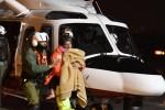 L'arrivo all'ospedale di Pescara dei i tre bambini estratti dall'Hotel di Rigopiano