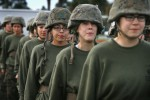 Svolta rosa nei Marines, tre donne in ruoli di combattimento