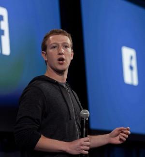 Furto di dati, bufera su Facebook e crollo in Borsa. Ed è mistero su un partito italiano
