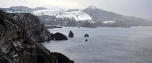 Maltempo, fiocchi di neve anche alle Eolie: parte dell'arcipelago isolato