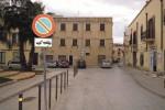 Sosta vietata in piazza Castello a Marsala: i residenti di via Punica protestano