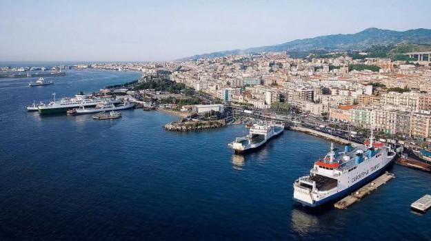 messina, porti, rada san francesco, traghetti, Messina, Cronaca