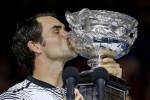 Roger Federer dopo la vittoria degli Australian Open