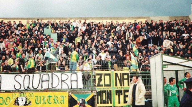 Calcio, daspo, tifosi, Enna, Sport