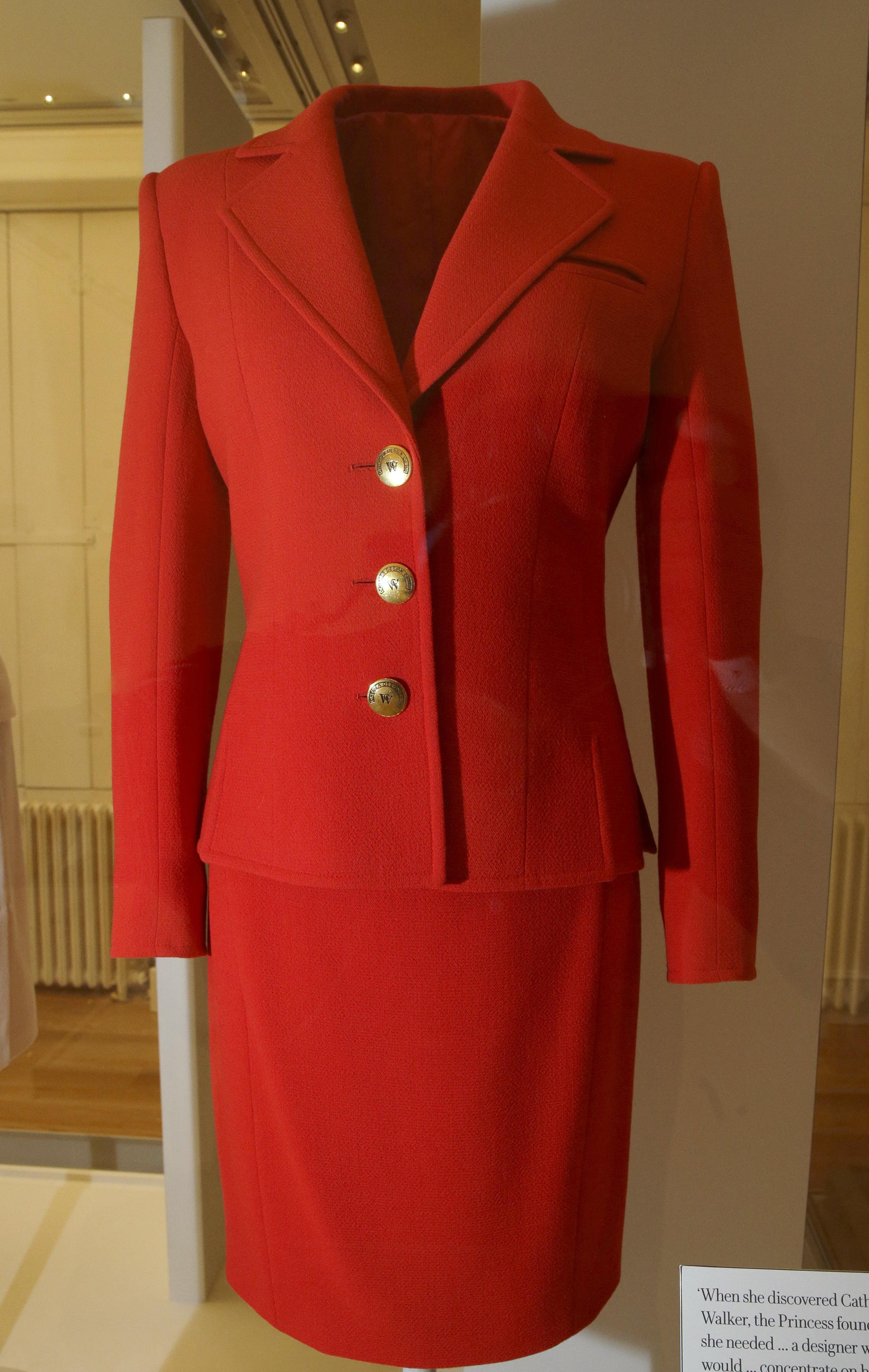 In mostra a Londra gli abiti più famosi di Lady Diana - Giornale di Sicilia a7363cfb1ac