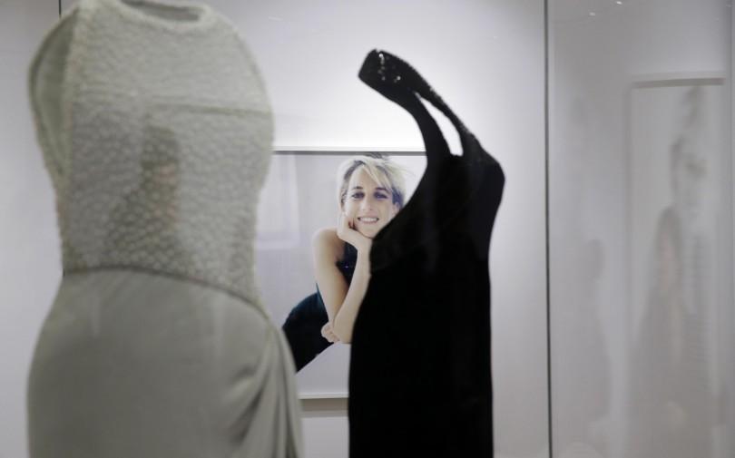 In mostra a Londra gli abiti più famosi di Lady Diana - Giornale di ... 39878aa3d54