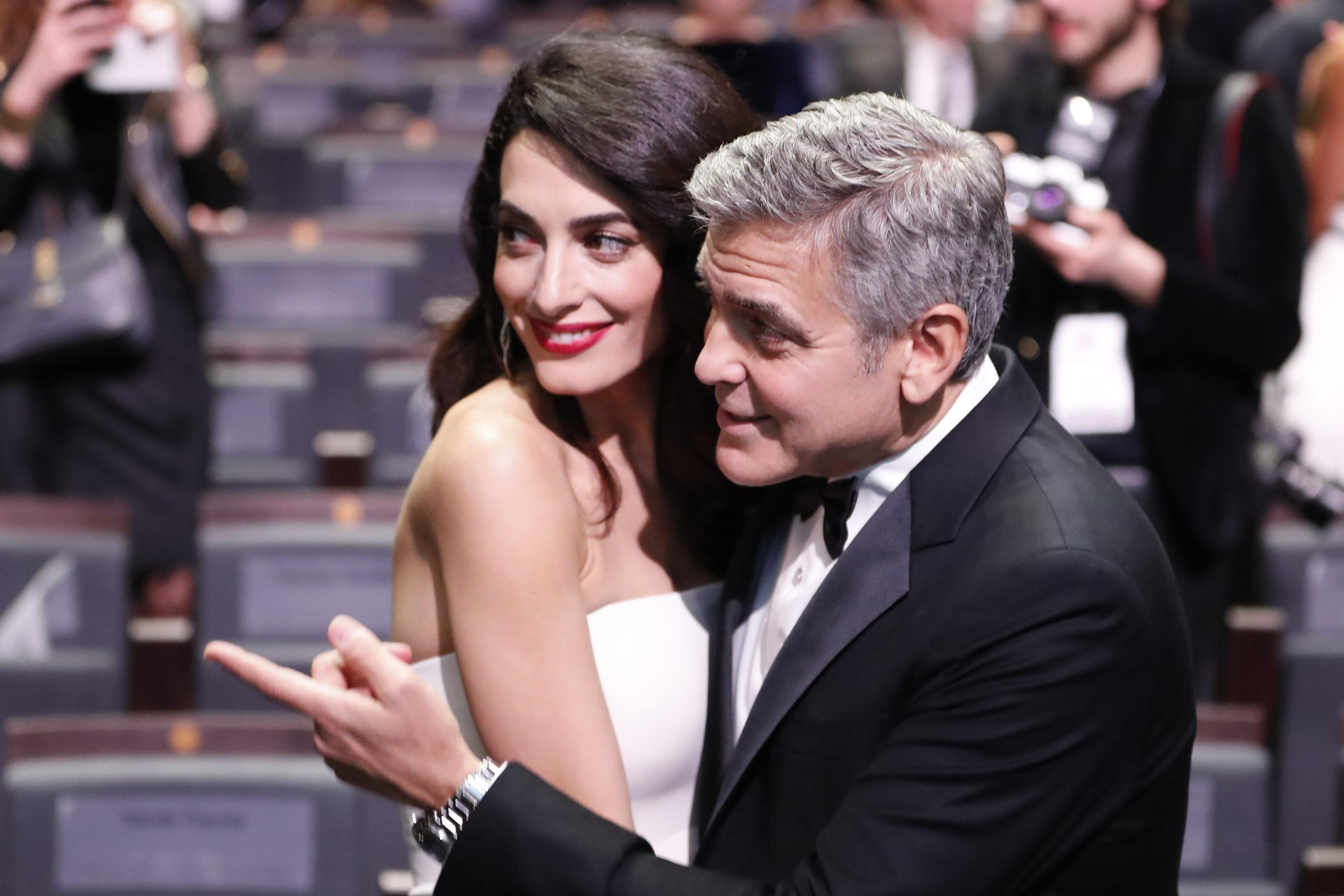 Clooney diventa pap amal d alla luce due gemelli ella e alexander giornale di sicilia - Gemelli diversi alla goccia testo ...