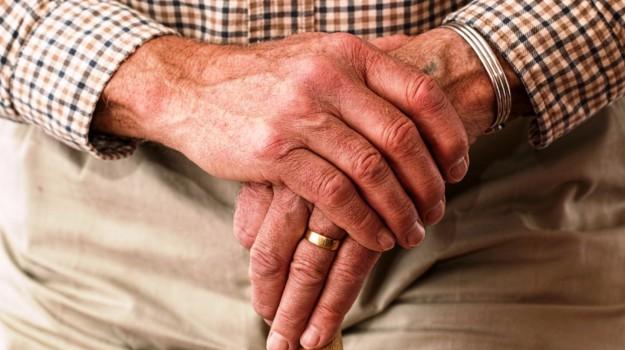 anziano maltrattato, Messina, Cronaca