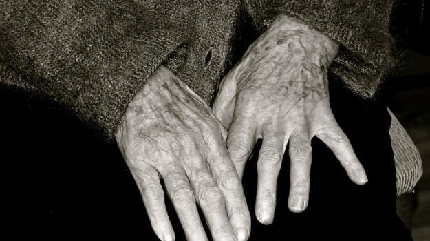 Arresti domiciliari, arresto, casteldaccia, polizia, rapina anziani, Palermo, Cronaca