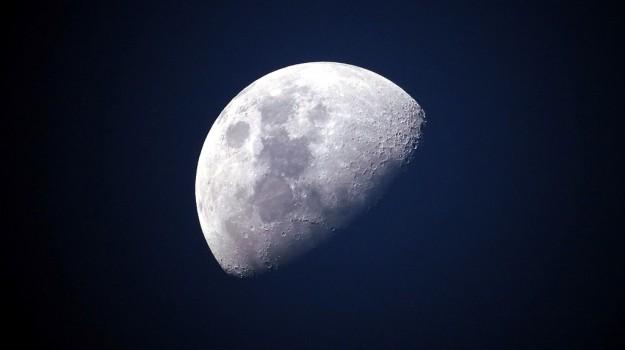 luna, nascondino, Sicilia, Società