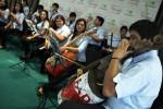 L'orchestra che trasforma i rifiuti in musica: sogniamo di suonare per il Papa