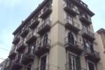 Appartamento in fiamme a Palermo: coppia di sessantenni e la figlia si salvano sul tetto