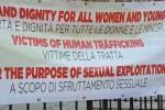 """""""Abbattiamo i muri"""": a Palermo in piazza per i diritti dei migranti"""