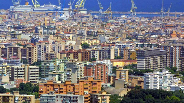 tassa soggiorno palermo, Palermo, Economia