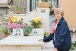 Ospitano nella tomba di famiglia un'immigrata morta, agrigentini premiati in Germania
