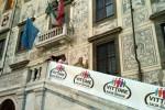 Cori e proteste per la visita della Boschi alla Normale di Pisa