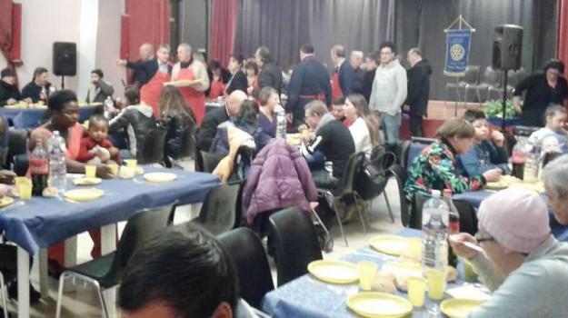 cena indigenti, chiesa santa lucia palermo, Rotary club Palermo Mondello, solidarietà, Palermo, Cronaca