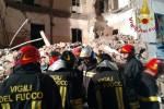 Palazzina crollata a Catania, gli sfollati saranno ospitati in albergo