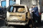 Rogo nella notte a Boccadifalco, 5 auto distrutte dalle fiamme