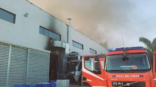 belpasso, incendio, LAVORO, Catania, Cronaca