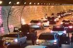Incidente in un tunnel in Corea del Sud: ecco il senso civico degli automobilisti