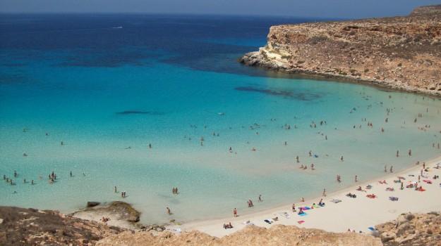 Voli Lampedusa Pantelleria, Sicilia, Economia