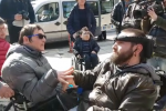 Caso fratelli Pellegrino, disabili in piazza per chiedere l'assistenza - Video