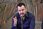 "Salvini sui migranti: ""Serve pulizia di massa, quartiere per quartiere"""