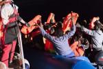 Immigrazione, nuova ondata di sbarchi Salvati in 1.300, in rotta verso la Sicilia